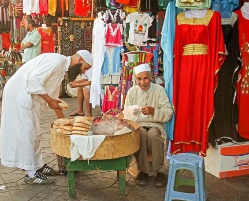 Souks de caftans et djellaba à Marrakech