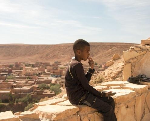 Enfant marocain dans un village proche de Marrakech au Maroc