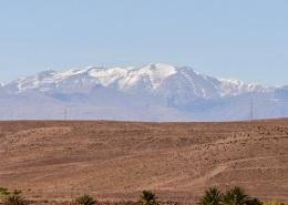 Photo des montagnes de l'Atlas à proximité de Marrakech dans le désert du Maroc