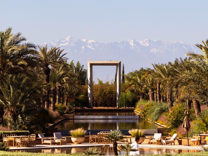 Villa à Marrakech avec une piscine qui donne vue sur les montagnes de l'Atlas